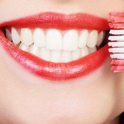 Zánět dásní | aura medical clinic